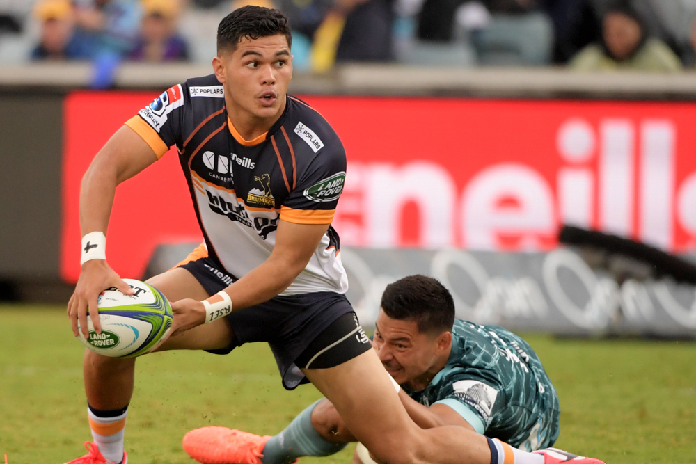 Noah Lolesio battled against the Highlanders. Photo: Getty Images